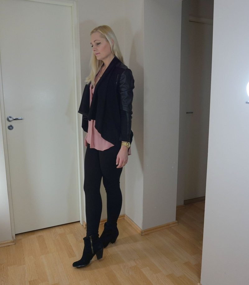 blush and black outfit