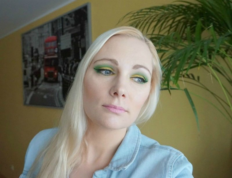 Makeup look inspired of Pantone 2017 Colour of The Year - Greenery