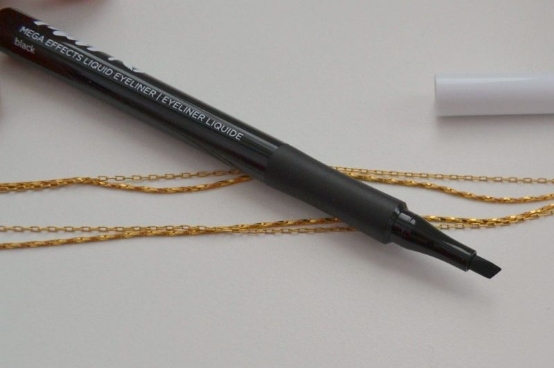 Avon Mark. Mega Effects Liquid Eyeliner in Black swatches and review