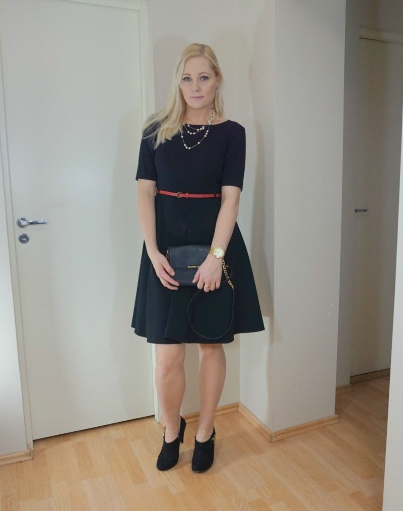 Black dress with touch of red -  Black Dress Red Belt