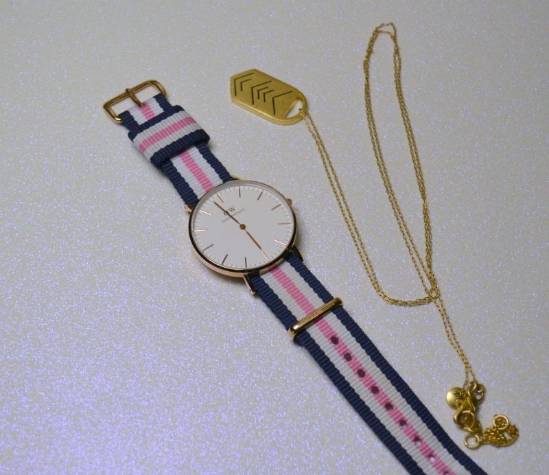 Daniel Wellington watch and Madewell necklace