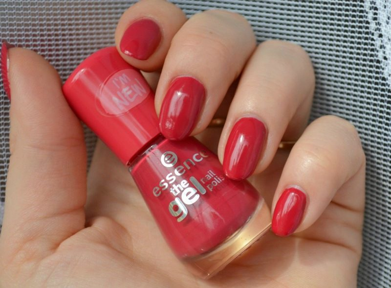 Essence The Gel nail polish 92 Red Carpet