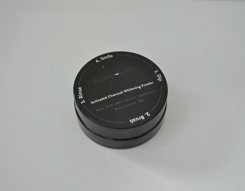 Bianco Smile Activated Charcoal Whitening Powder review