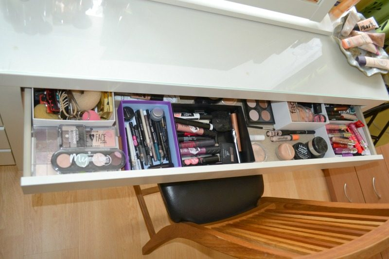 How I organize my makeup products