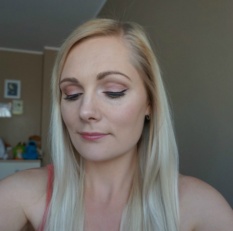 Simple daytime makeup feat Avon, Urban Decay Naked 3