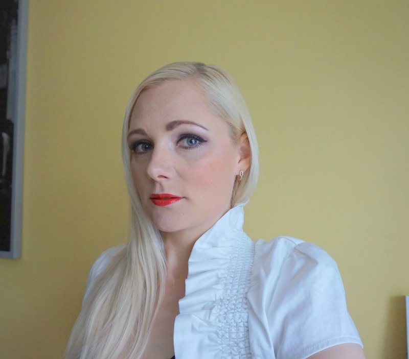 Smoky Eyes and Red Lips with Essence Cosmetics