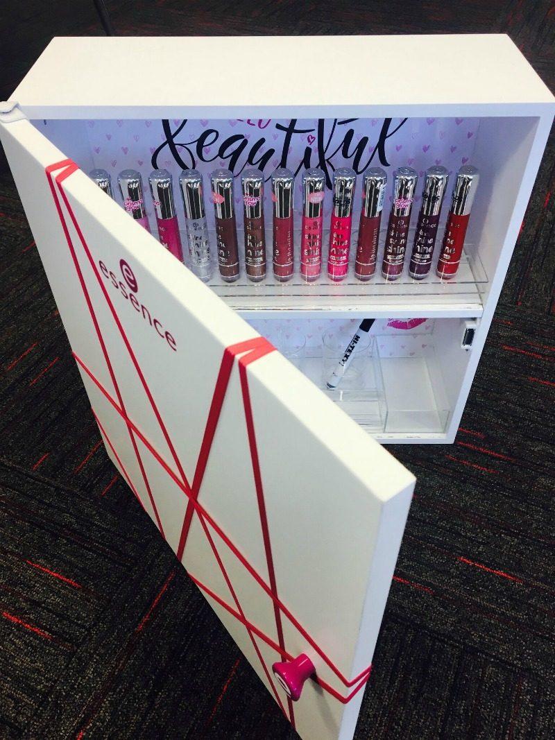essence cosmetics kapp huuleläigetega