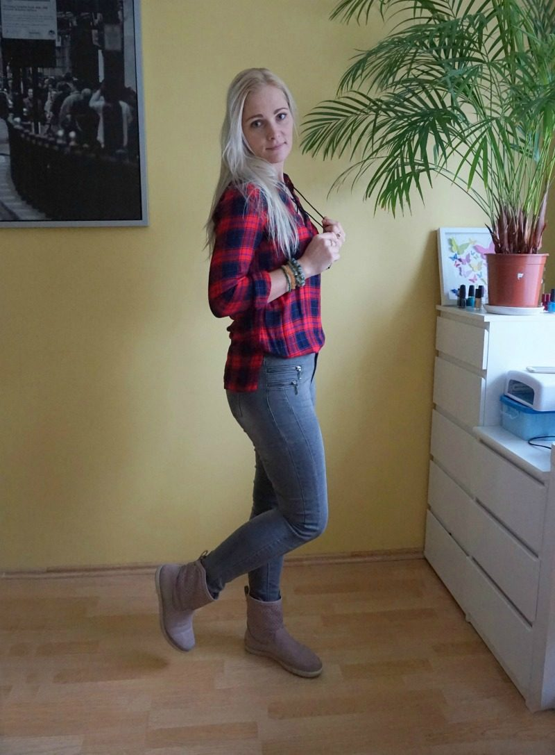 red Shein plaid shirt ONLY grey jeggings Ecco slouch boots