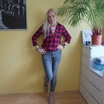 red plaid blouse grey jeggings