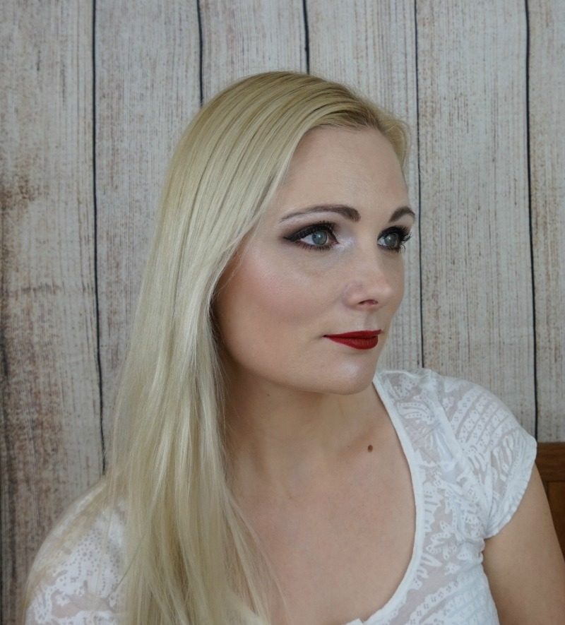 Brown Smoky Eye with Essence products