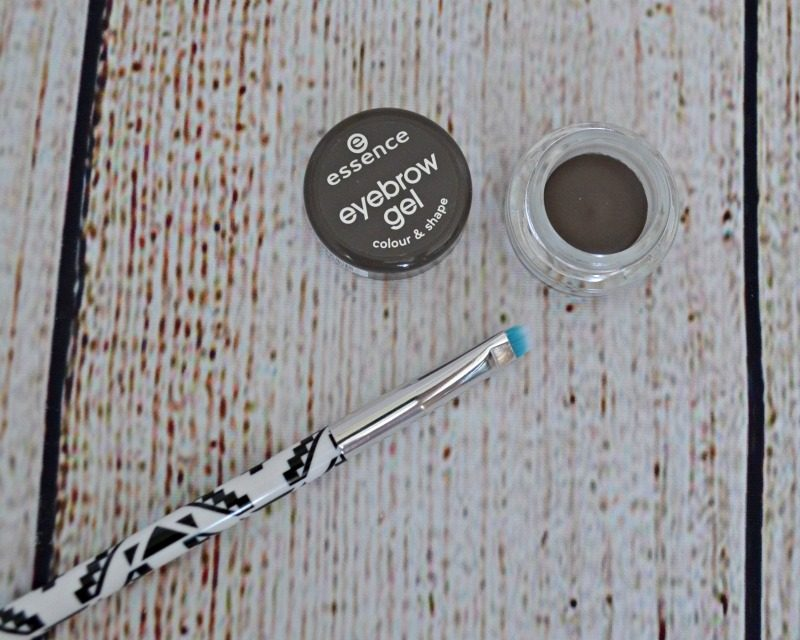 Essence Eyebrow Gel Colour & Shape in 01 Brown & Essence Eyebrow Brush