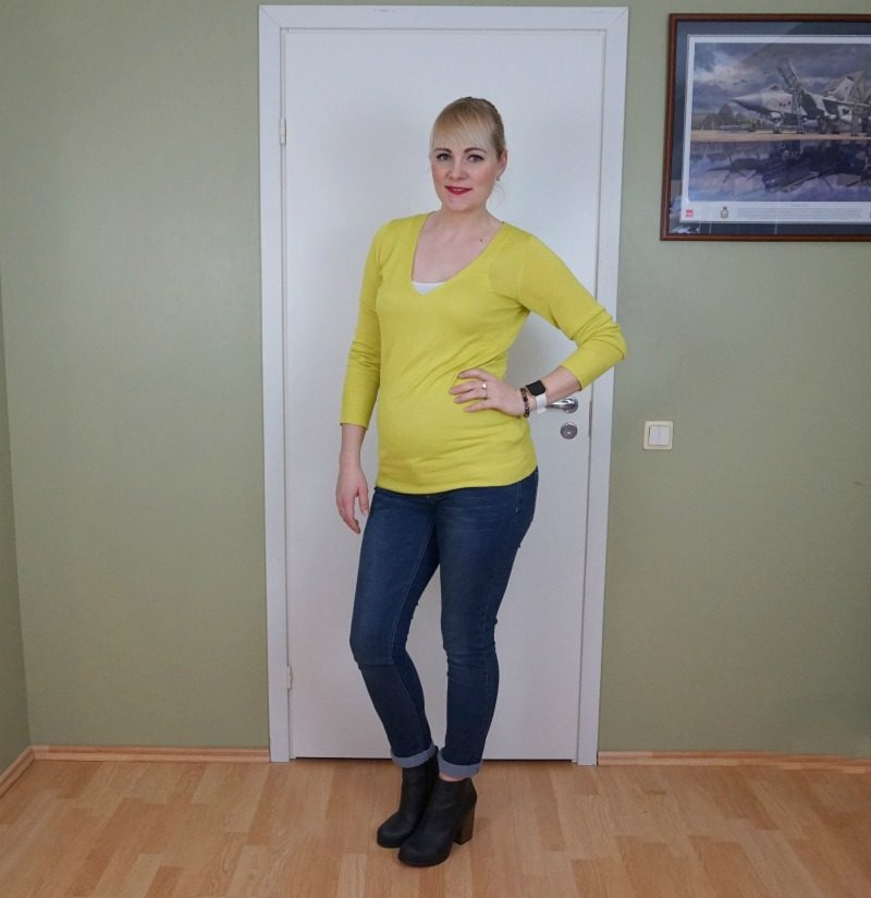 Mustard yellow and dark blue outfit