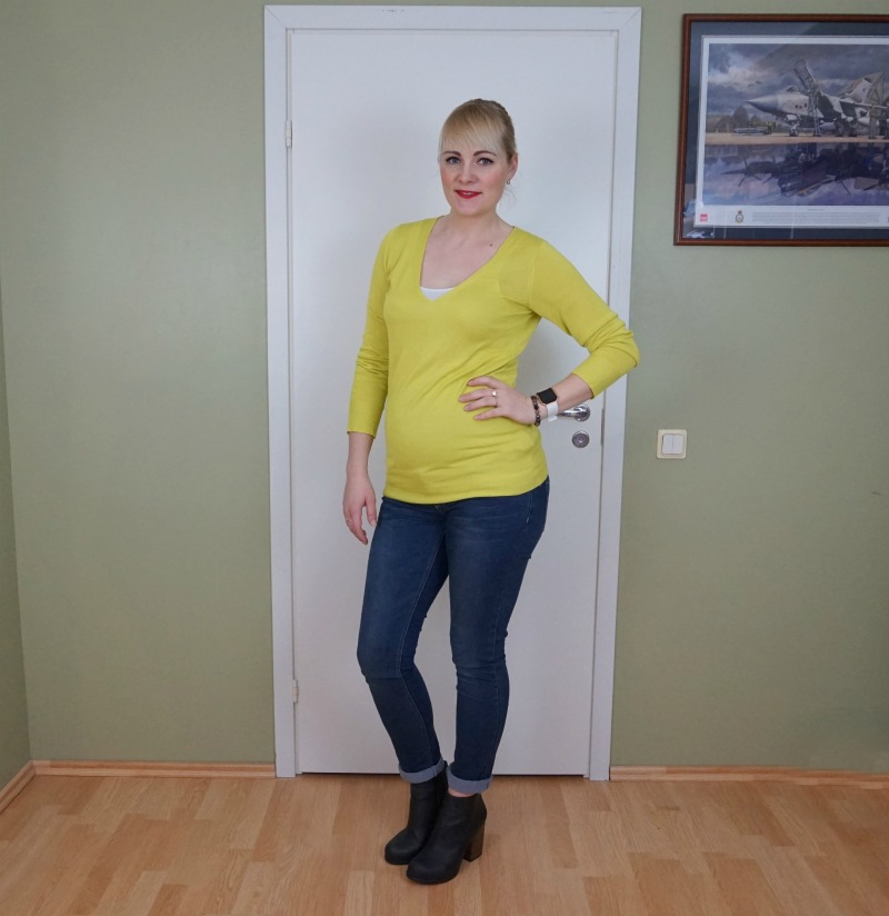 Mustard yellow and dark blue outfit & weekly link up