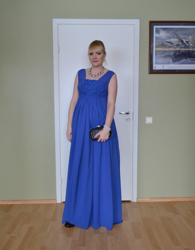 black royal blue maternity outfit