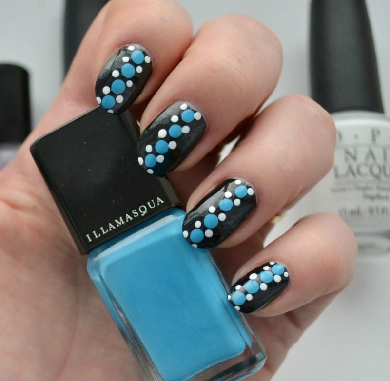 simple blue black white dotticure