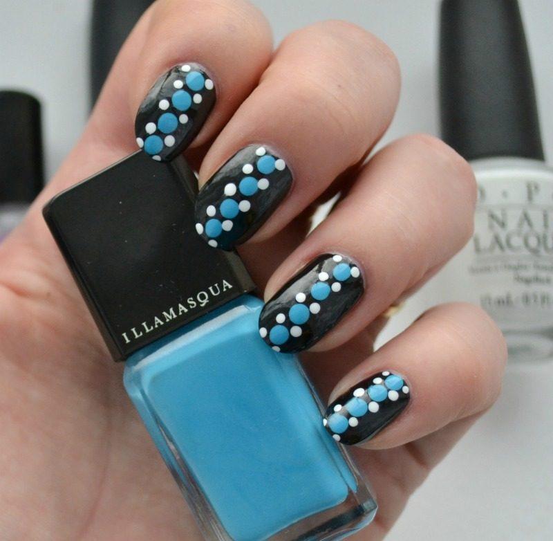 simple blue black white dotticure