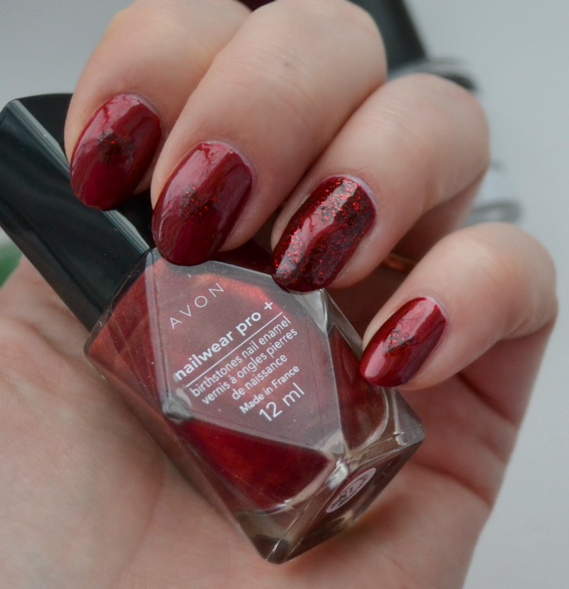 red Valentine's Day nails