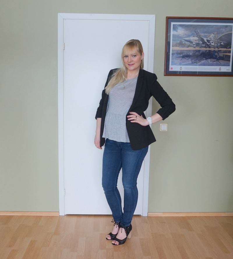 My new Jeffrey Campbell sandals & maternity outfit & link up