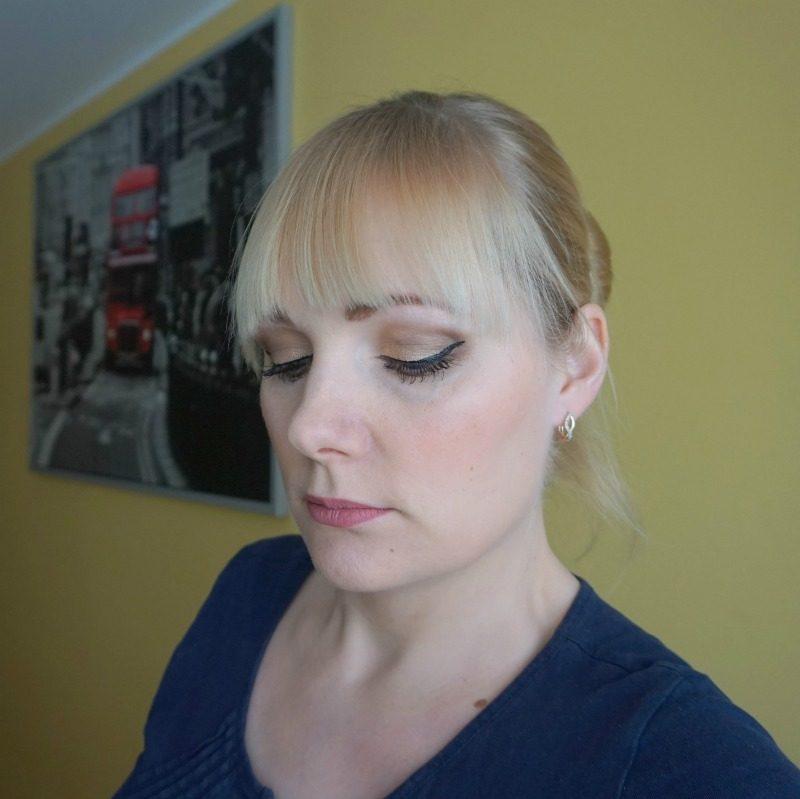 theBalm Foiled Again Foil Eyeshadow palette makeup look