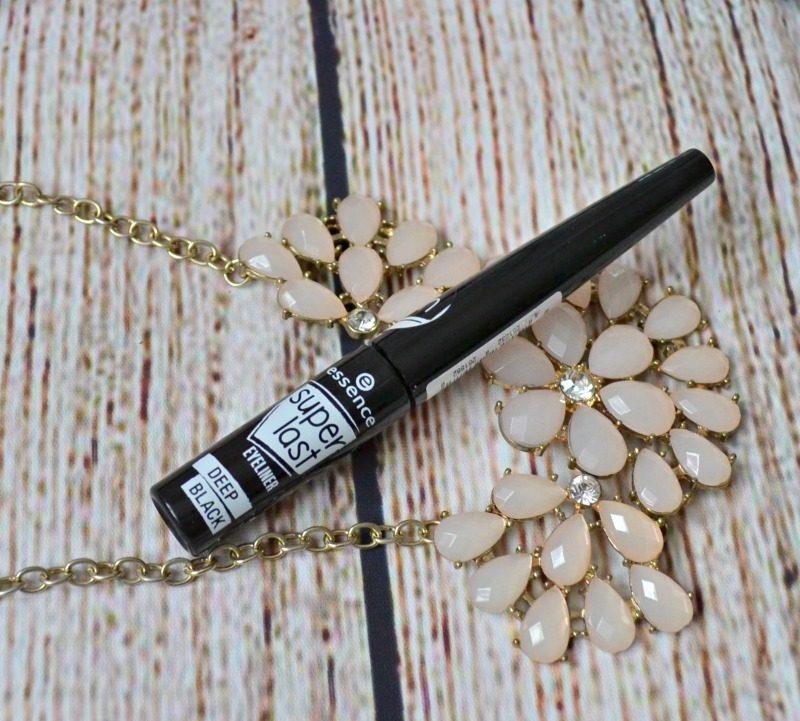 Essence Superlast Eyeliner Deep Black review
