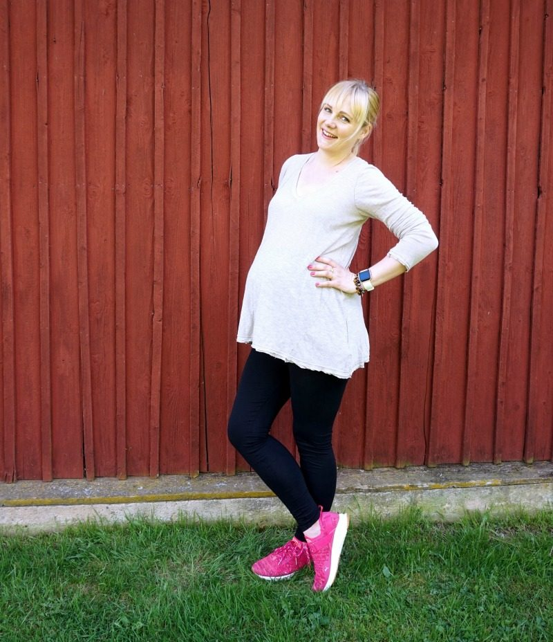 maternity outfit feat H&M Free People Puma