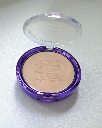 Physicians Formula Youthful Wear Youth-Boosting Powder in Translucent Matte Finish