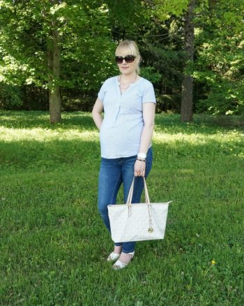 simple casual maternity outfit