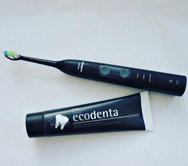Ecodenta Extra Black Whitening Toothpaste with Black Charcoal and Teavigo