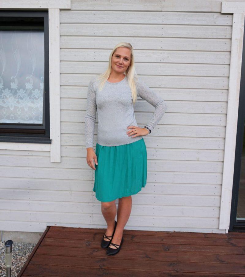 Lindex skirt, Warehouse sweater, Tamaris flats