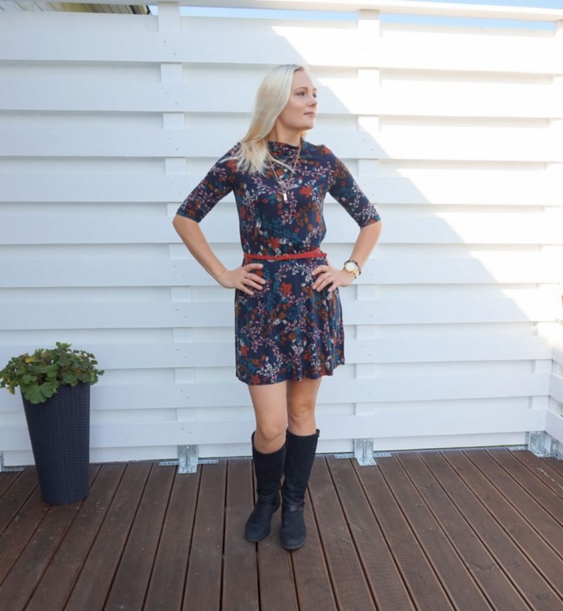 floral print jersey dress with red belt