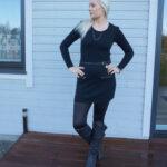 Black jumper dress and wet look leggings & weekly linkup