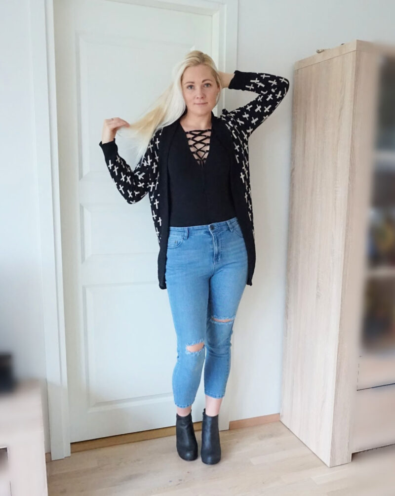 blue and black outfit