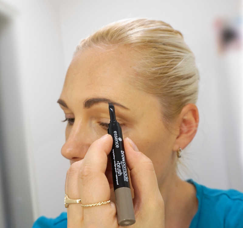 How to use Essence Brow pomade+brush