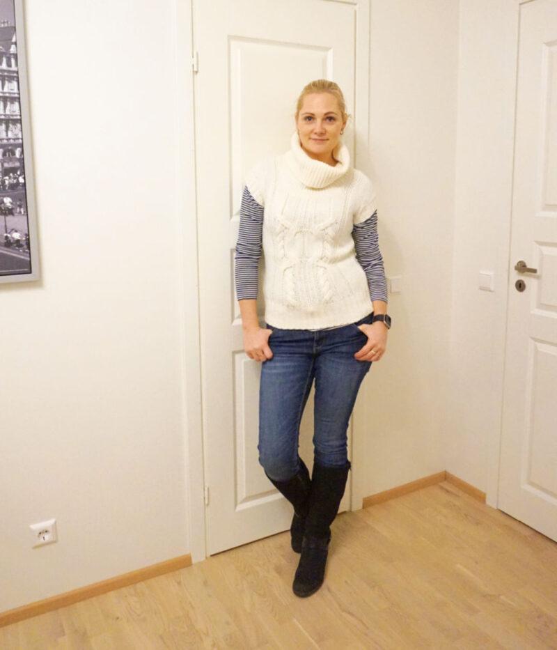 White sleeveless turtleneck sweater