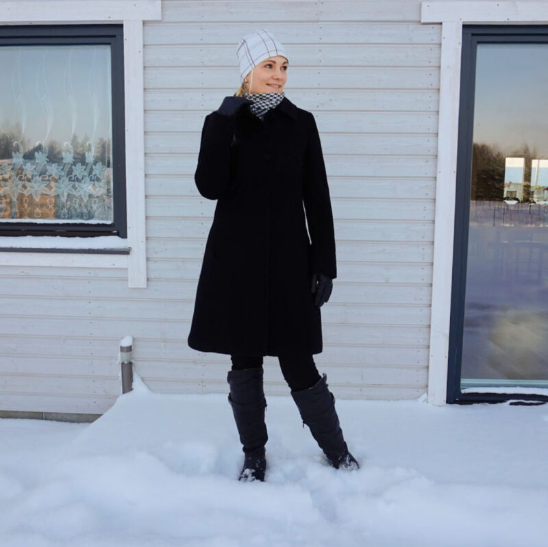 classic black white winter outfit