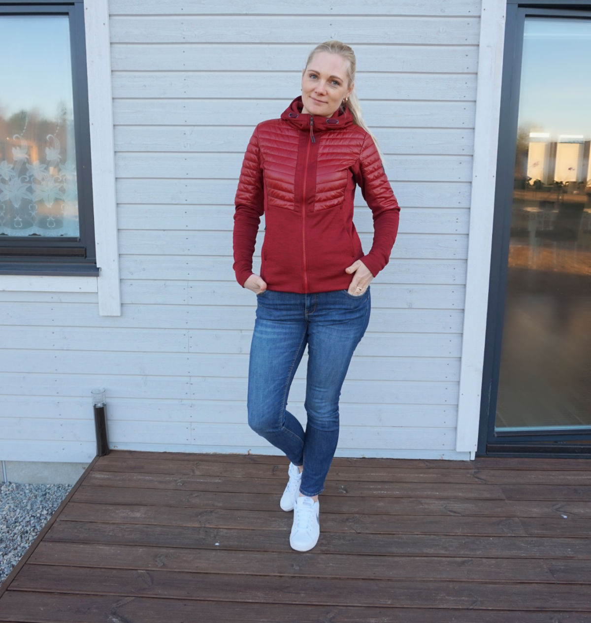 Simple casual outfit - Didriksons Annema jacket, Lindex Lilly jeans, Nike sneakers.