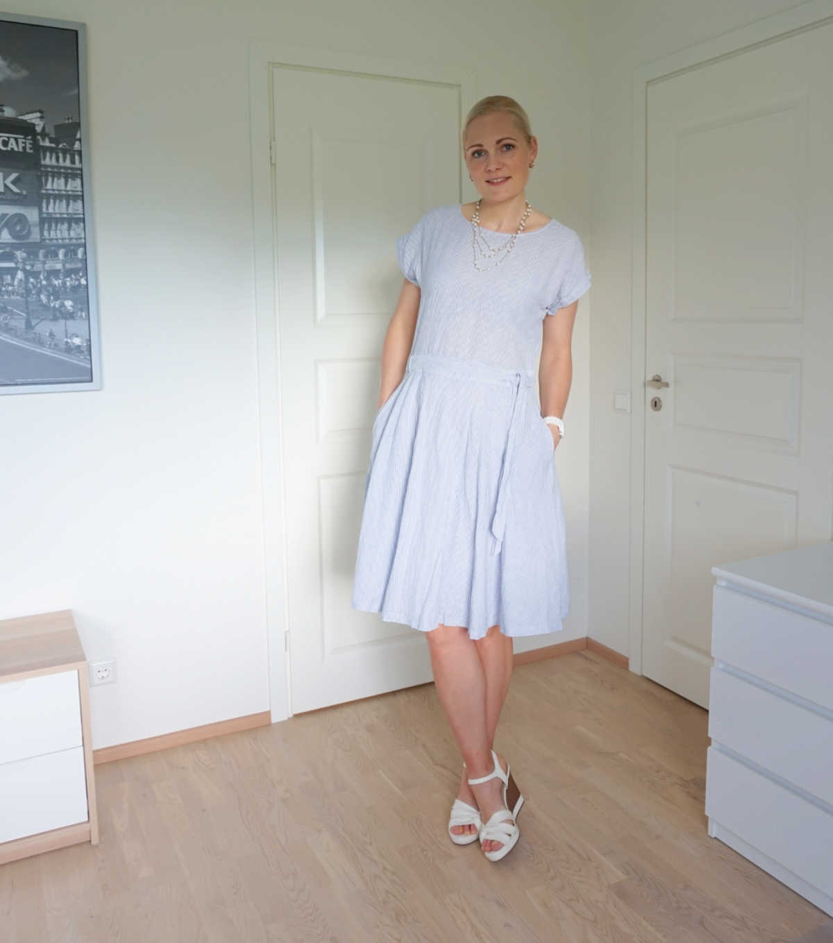 Simple summer outfit light blue dress white wedges