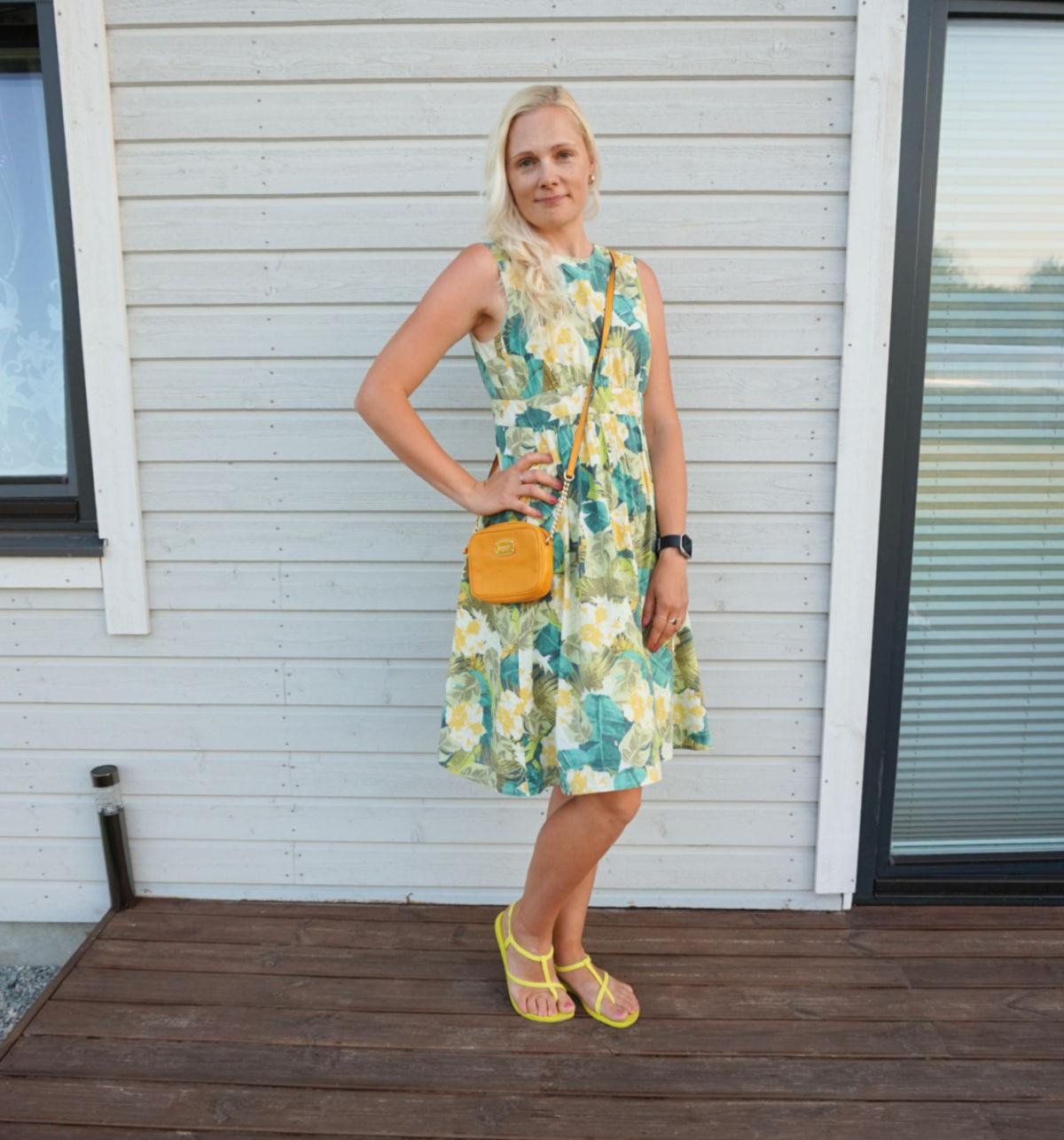 FLoral print midi dress with pockets, yellow Ipanema sandals, yellow Michael Kors bag