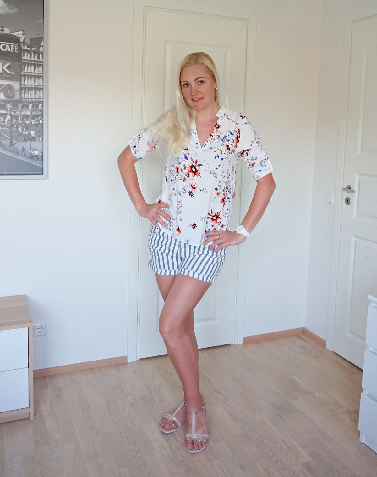 Stripes and floral outfit for summer 2021